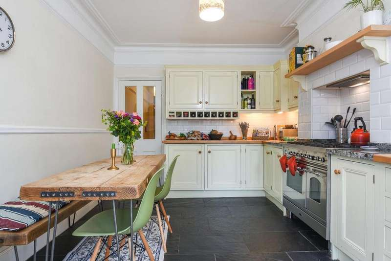 4 Bedrooms Terraced House for sale in Foyle Road, Blackheath