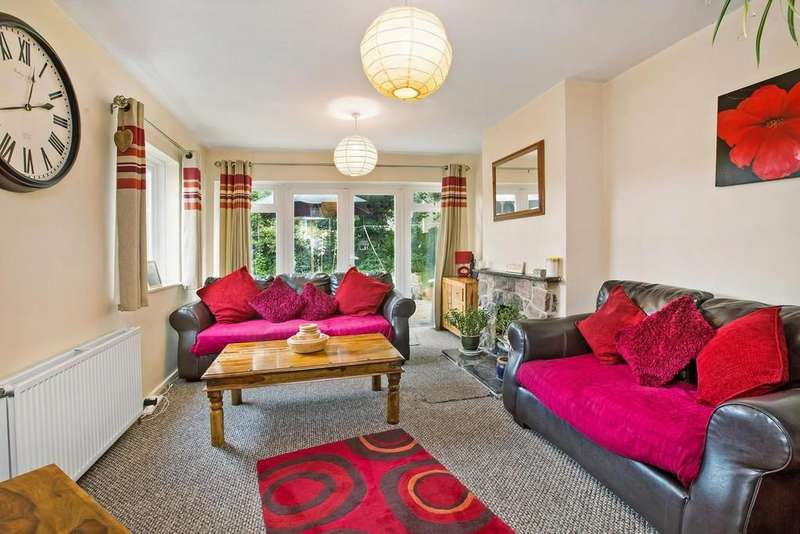 3 Bedrooms Detached Bungalow for sale in Coombe Close, Bovey Tracey, Newton Abbot