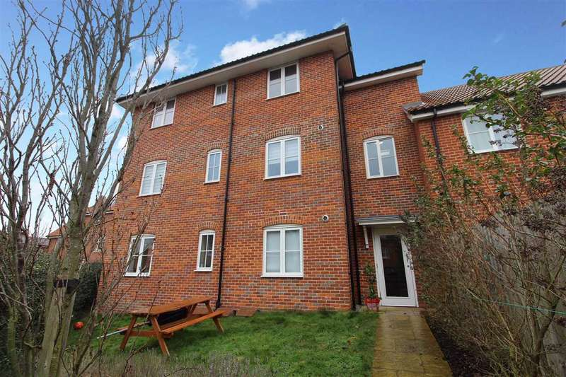 2 Bedrooms Apartment Flat for sale in Tower Road, Felixstowe