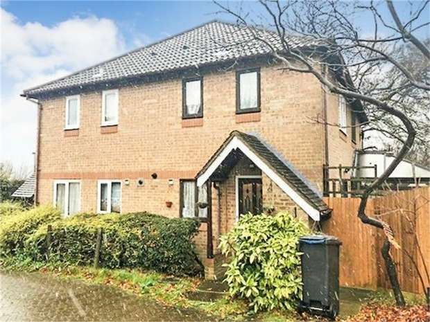 1 Bedroom Semi Detached House for sale in Lomond Gardens, South Croydon, Surrey