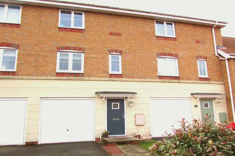 3 Bedrooms Semi Detached House for sale in Kingfisher Way, Scunthorpe, DN16