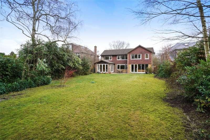 5 Bedrooms Detached House for sale in Kenwood Drive, Hersham, Walton-on-Thames, Surrey, KT12