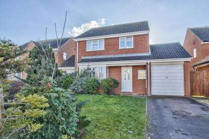 4 Bedrooms Detached House for sale in Crowhill, Godmanchester, Huntingdon, Cambs
