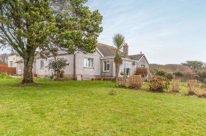 4 Bedrooms Retirement Property for sale in Camborne, Cornwall, .