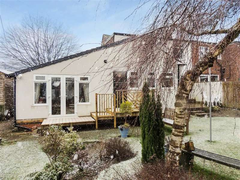 2 Bedrooms Semi Detached Bungalow for sale in Buxton Lane, Marple, Stockport