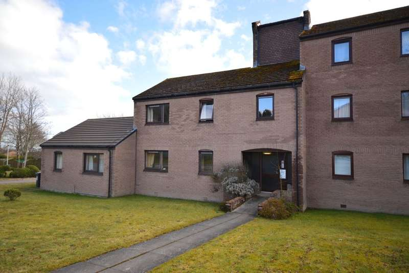 2 Bedrooms Flat for sale in Lomond Way, Inverness, IV3