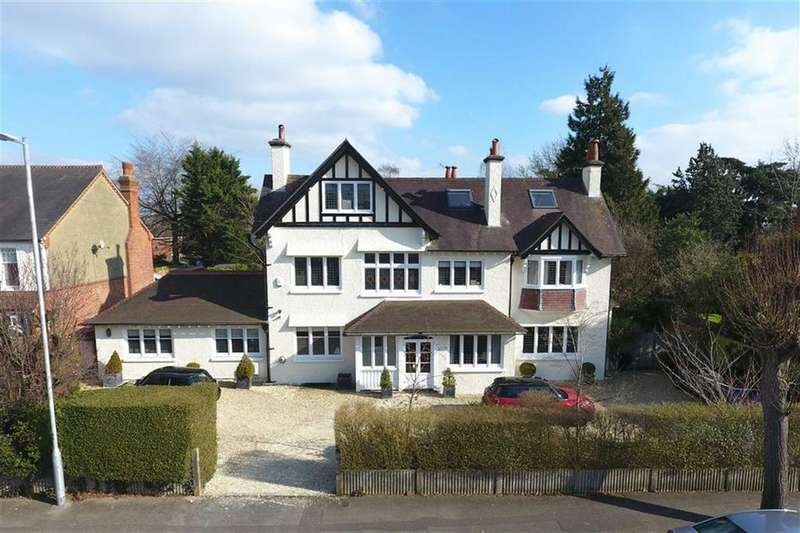 7 Bedrooms Detached House for sale in Albert Road, Caversham Heights, Reading