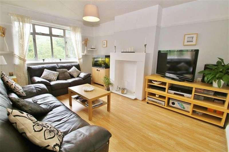 3 Bedrooms Maisonette Flat for sale in Epsom Road, Morden, SM4