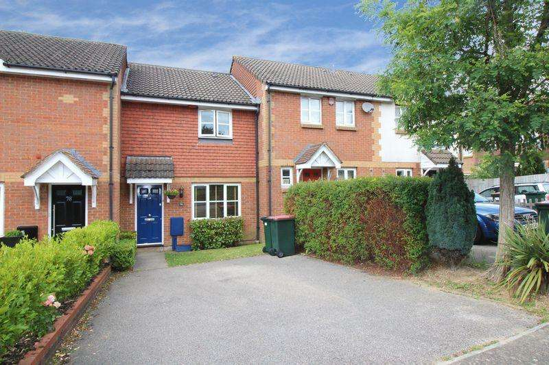 3 Bedrooms Terraced House for sale in Bolton Road, Crawley