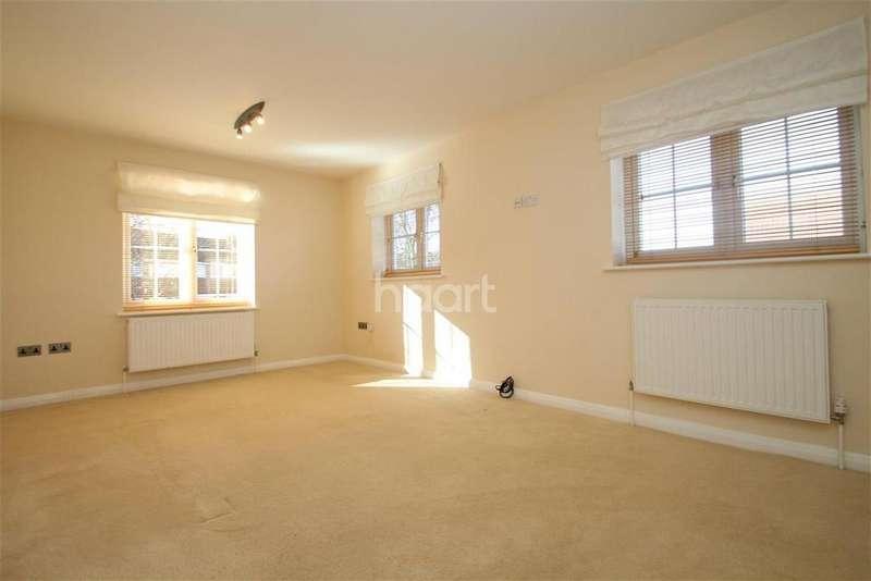 2 Bedrooms Maisonette Flat for rent in Mossmans Close, Bletchley