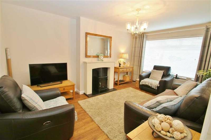3 Bedrooms Semi Detached Bungalow for sale in Longford Gardens, Sutton, SM1