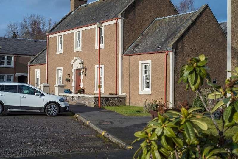 1 Bedroom Flat for sale in Inverallan Court, Bridge of Allan, Stirling, Scotland, FK9 4JT