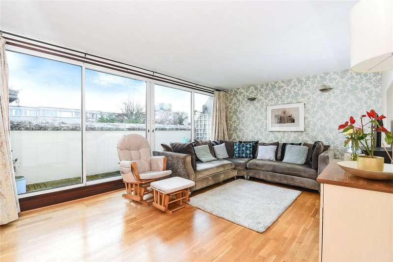 2 Bedrooms Apartment Flat for sale in Mountbatten Square, Windsor, Berkshire, SL4