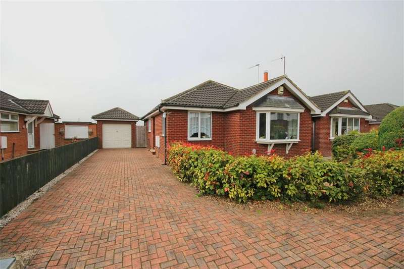 3 Bedrooms Detached Bungalow for sale in Whitehouse Walk, Dunswell, Hull, HU6