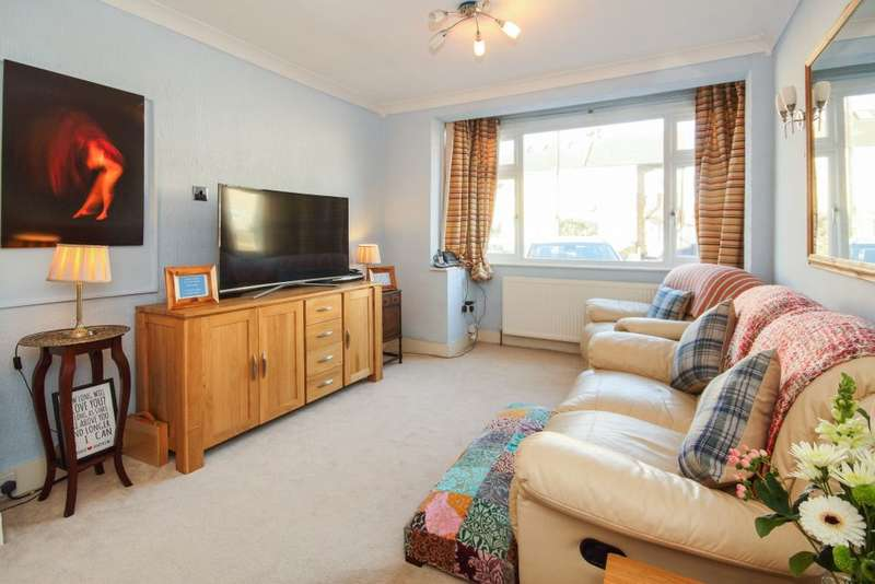 4 Bedrooms Terraced House for sale in MacDonald Avenue, Hornchurch, Essex, RM11 2NE