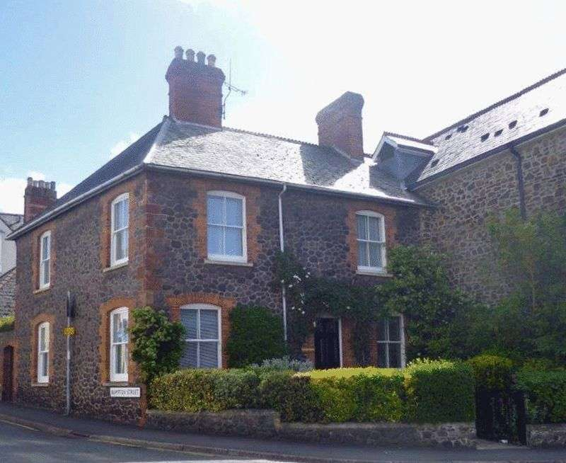 3 Bedrooms Property for sale in Bampton Street, Minehead