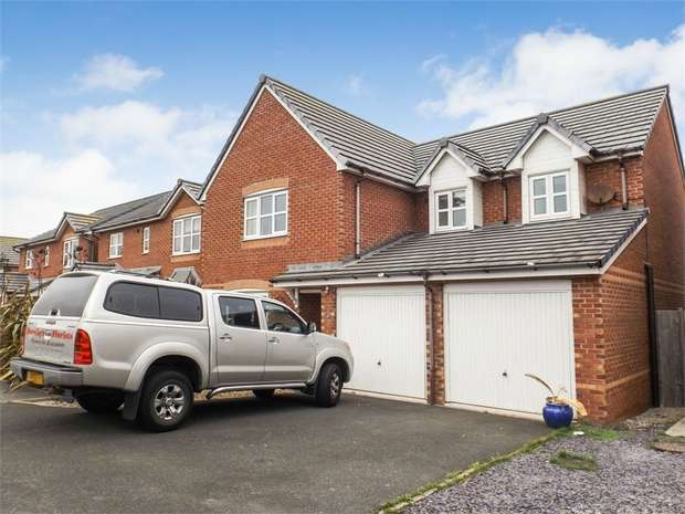 5 Bedrooms Detached House for sale in Pen Y Cae, Abergele, Conwy