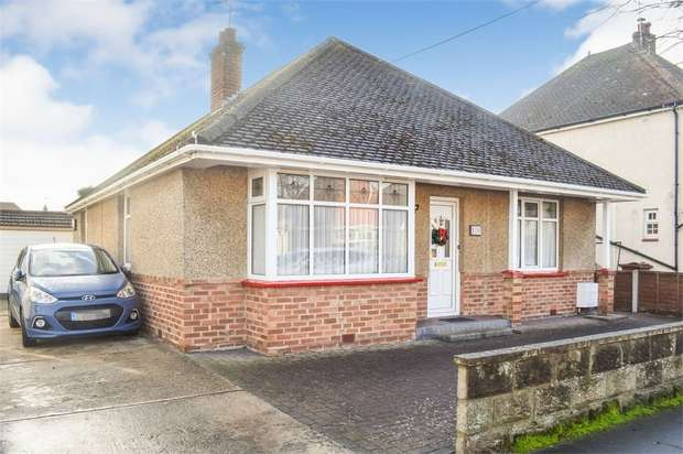 2 Bedrooms Detached Bungalow for sale in Salisbury Road, Clacton-on-Sea, Essex