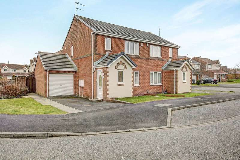 3 Bedrooms Semi Detached House for rent in Holyfields, West Allotment, Newcastle Upon Tyne, NE27