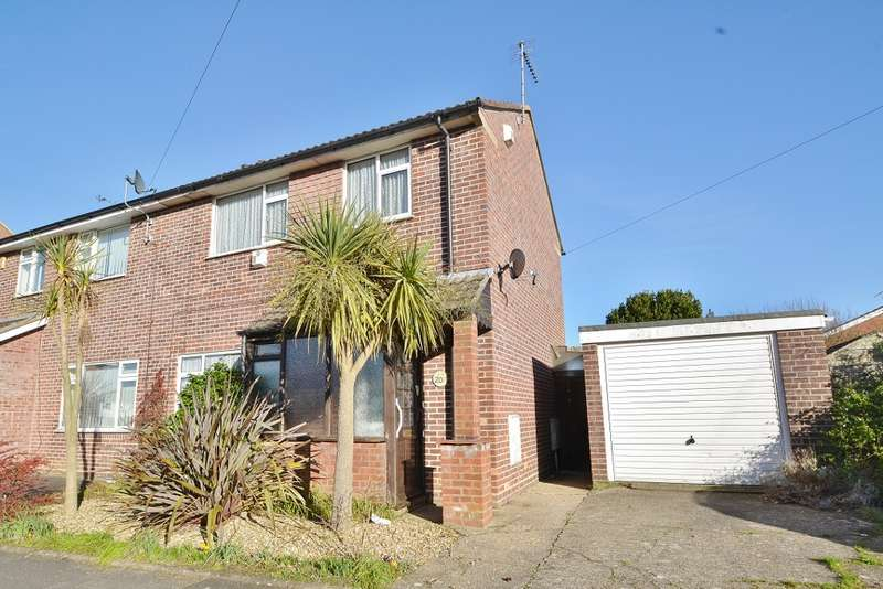 2 Bedrooms Semi Detached House for sale in Upton