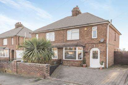 4 Bedrooms Semi Detached House for sale in Highbury Grove, Clapham, Bedford, Bedfordshire