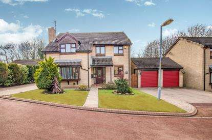 4 Bedrooms Detached House for sale in Paignton Close, Middlesbrough, .