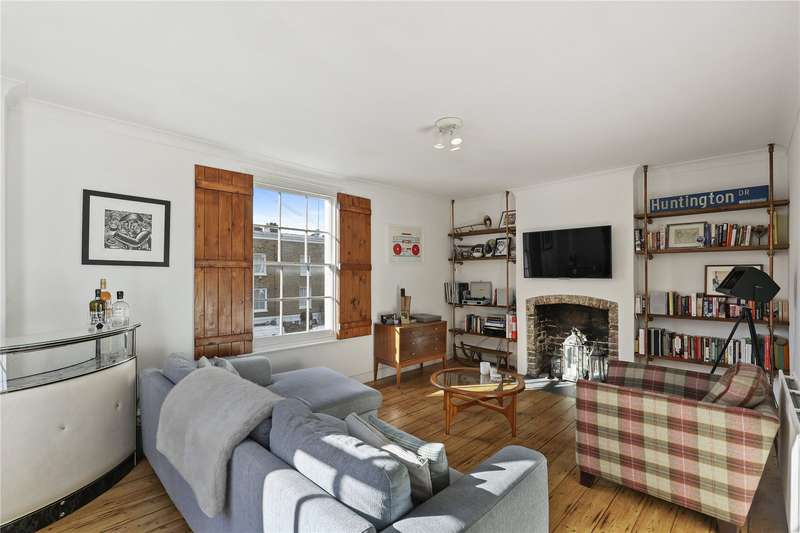 2 Bedrooms Flat for sale in Mortimer Road, London, N1