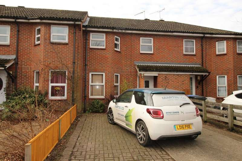 3 Bedrooms Terraced House for rent in Holwell Road, Welwyn Garden City AL7