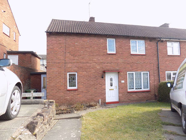 3 Bedrooms Semi Detached House for sale in Stoney Lane, Dudley, DY2