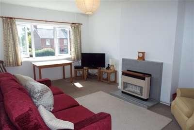 2 Bedrooms Flat for rent in Sheridan Court, Hildenborough