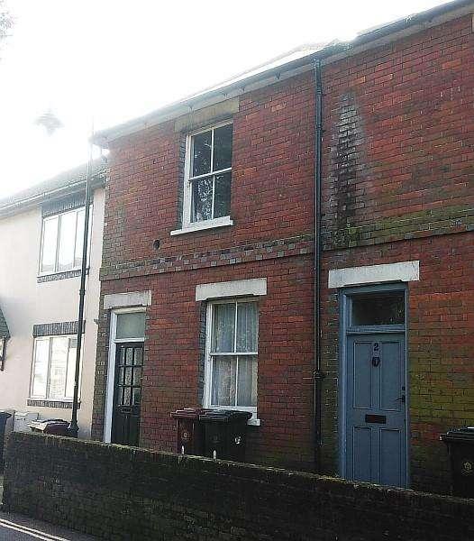 2 Bedrooms Terraced House for rent in Montier Terrace, Angel Street, Petworth GU28