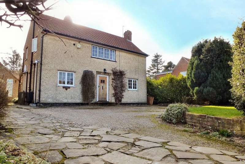 3 Bedrooms Detached House for sale in Overstrand
