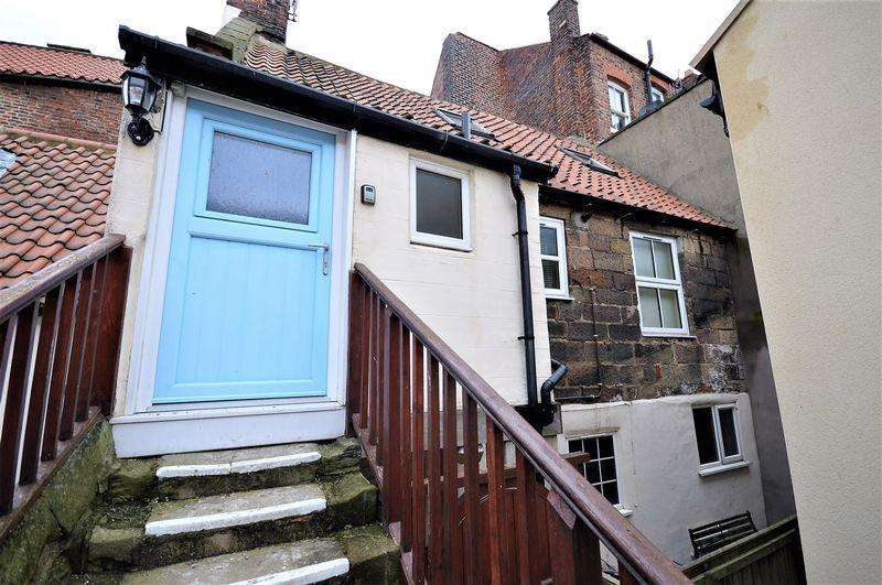 2 Bedrooms Maisonette Flat for sale in Staffordshire Place, Whitby
