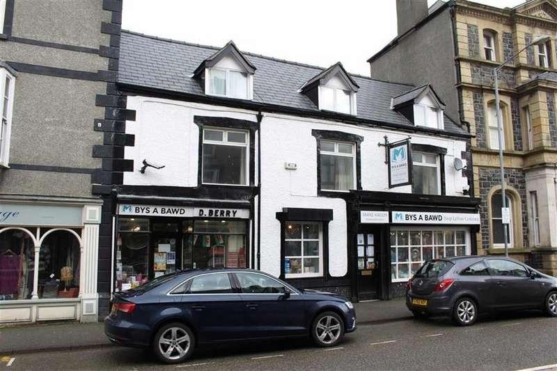 2 Bedrooms Apartment Flat for rent in Denbigh Street, Llanrwst, Conwy