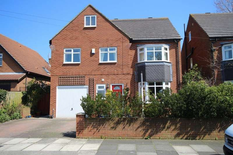 5 Bedrooms Detached House for sale in Vernon Drive, Monkseaton, Whitley Bay, NE25