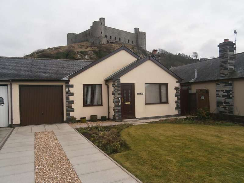 2 Bedrooms Bungalow for sale in 34 Castell Morfa LL46