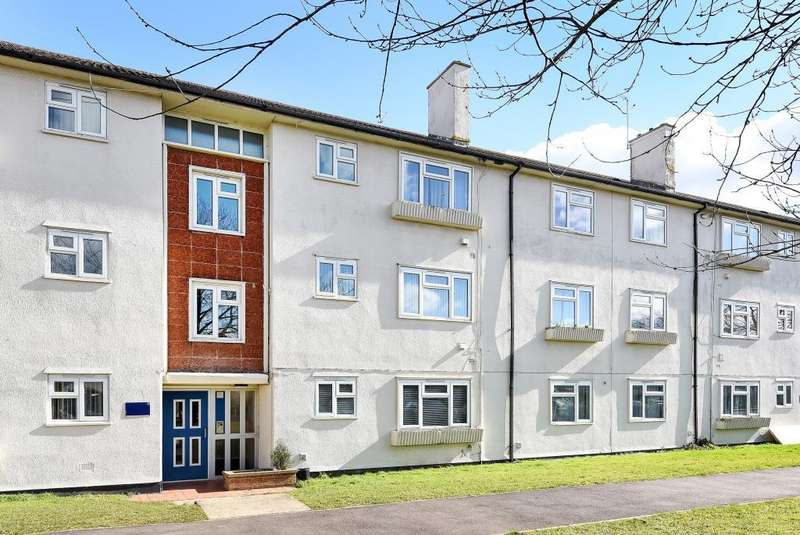 2 Bedrooms Flat for sale in Normandy Crescent, Oxford, OX4