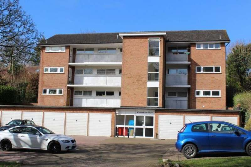 2 Bedrooms Apartment Flat for rent in Martyrs Court, Station Road, Amersham, HP7
