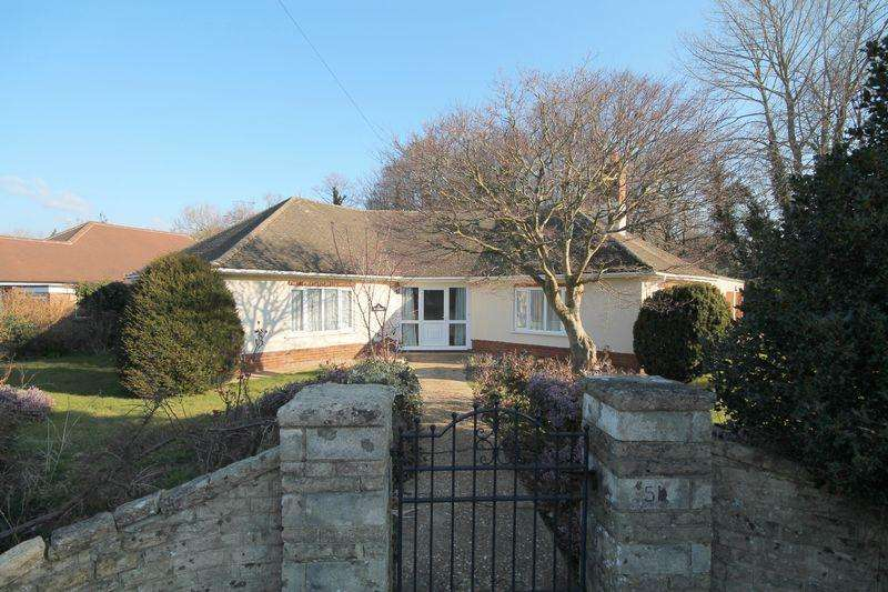 4 Bedrooms Detached Bungalow for sale in Grand Avenue, Hassocks, West Sussex,