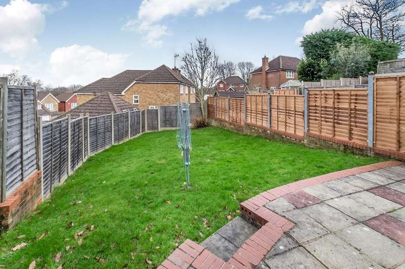 3 Bedrooms Detached House for rent in Abigail Crescent, Walderslade, Chatham, ME5