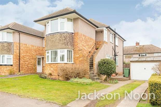 3 Bedrooms Maisonette Flat for sale in Lewins Road, Epsom Common