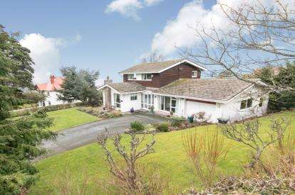 3 Bedrooms Detached House for sale in Peulwys Lane, Old Colwyn, Colwyn Bay, Conwy, LL29