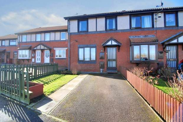 3 Bedrooms Property for sale in Solway Drive, Barrow-In-Furness, Cumbria, LA14 3XN
