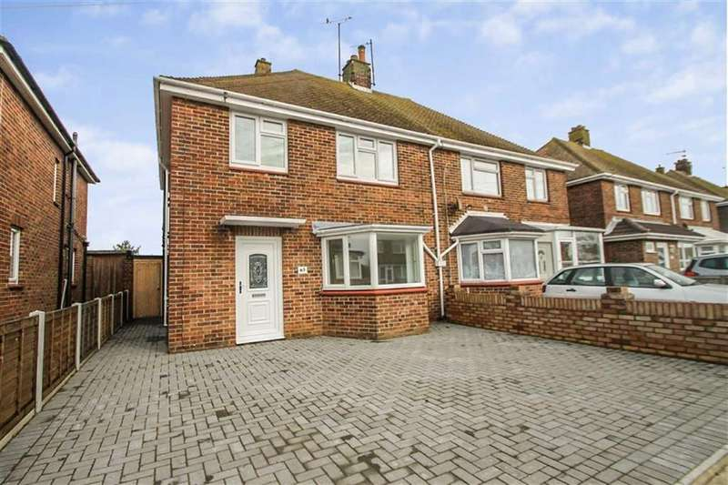 3 Bedrooms Semi Detached House for sale in The Chase, Holland-on-Sea