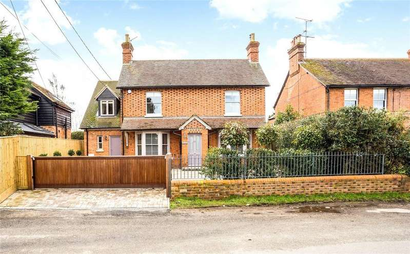 4 Bedrooms Detached House for sale in South Stoke Road, Woodcote, Reading, RG8