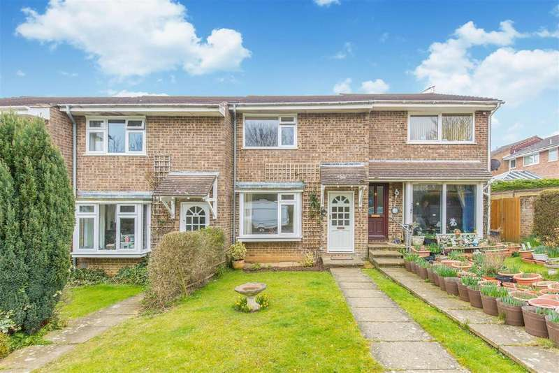 2 Bedrooms Terraced House for sale in Monks Way, Lewes