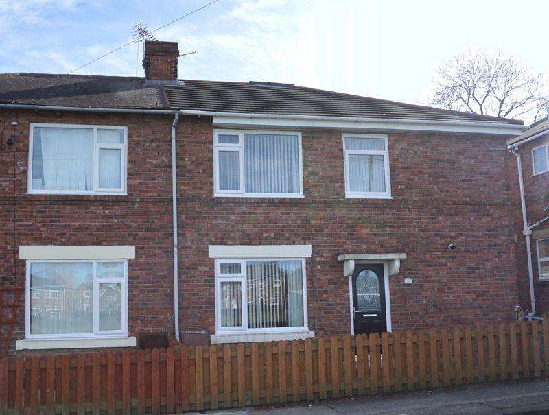 3 Bedrooms Semi Detached House for sale in The Green, Chester le Street