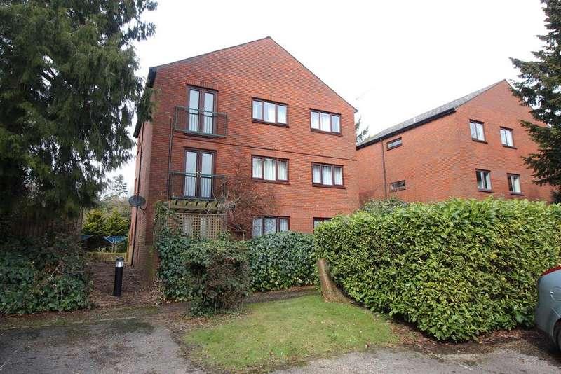 2 Bedrooms Ground Flat for sale in Campion Court, Stevenage, Hertfordshire, SG1 3EY