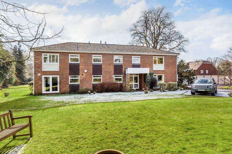 2 Bedrooms Apartment Flat for sale in Shalford, Guildford