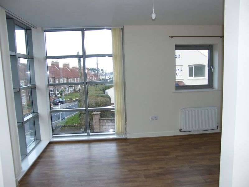 2 Bedrooms Property for rent in Woollams Place, Watchet TA23 0AT